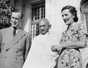 Mahatma Gandhi with Lord Mountbatten and his wife, Edwina