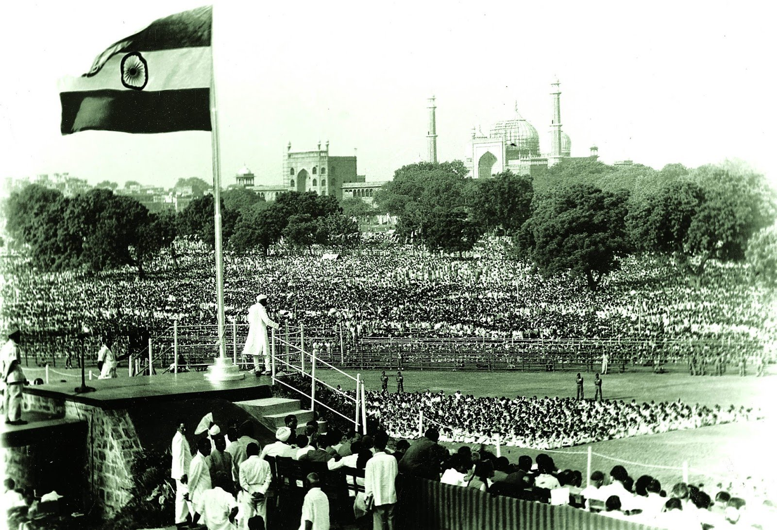 The Prime Minister, Pandit Jawaharlal Nehru, declaring the Independence